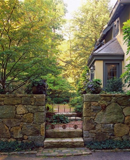 Front gate | Landscape design by JMMDS, Photograph by Grey Crawford