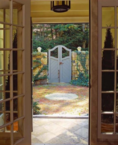 Courtyard gate | Landscape design by JMMDS, Photograph by Grey Crawford