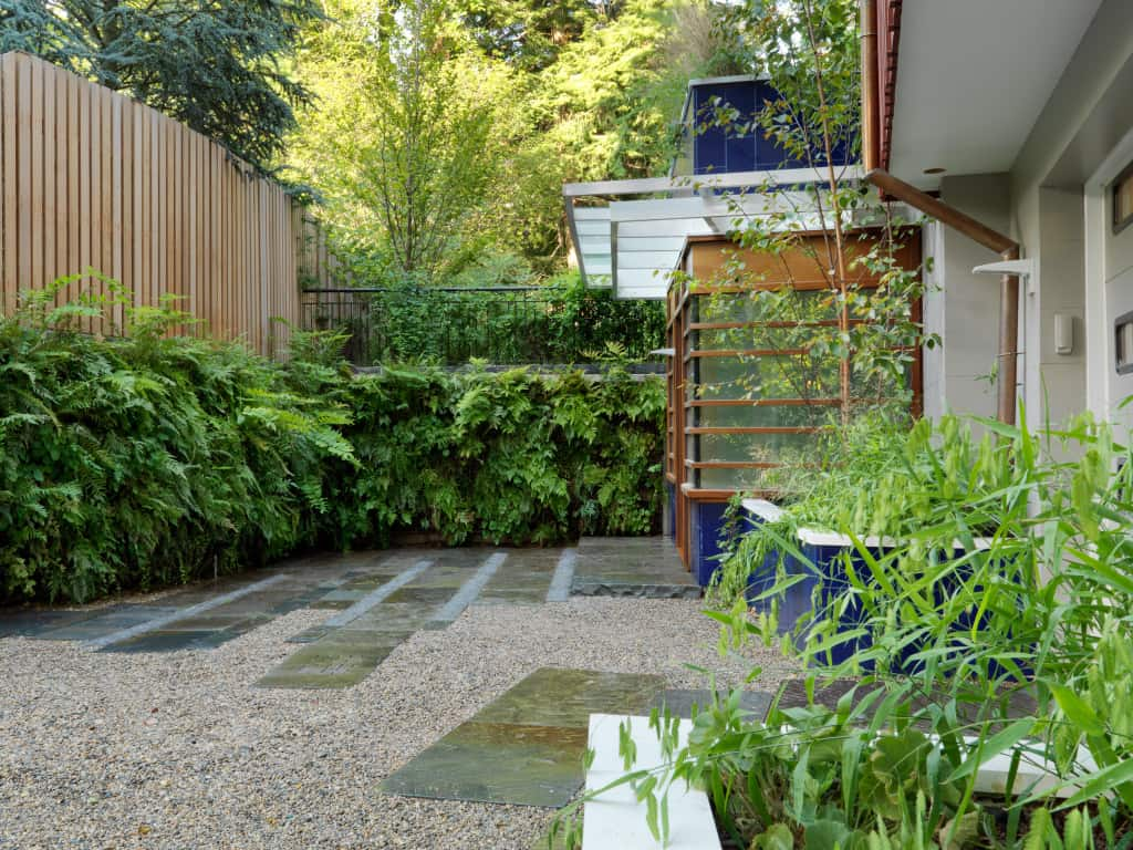 Green wall retaining wall. Landscape design by JMMDS, Photograph by Susan Teare