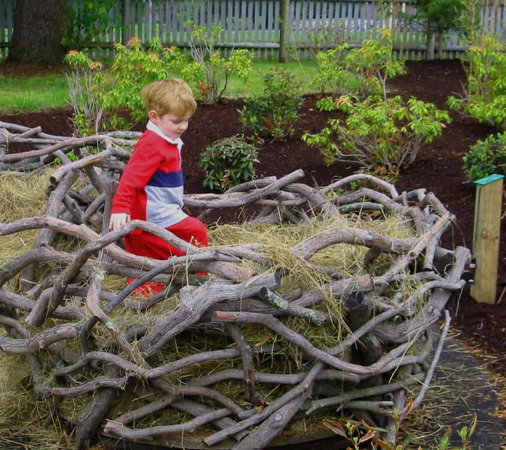 JMMDS Weezies Garden oversized bird nest