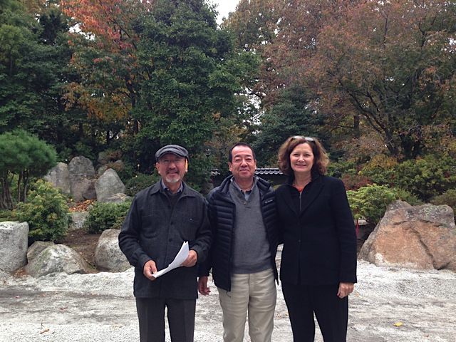 Shin Abe, Shiro Nakane, and Julie Moir Messervy. Photo: JMMDS.