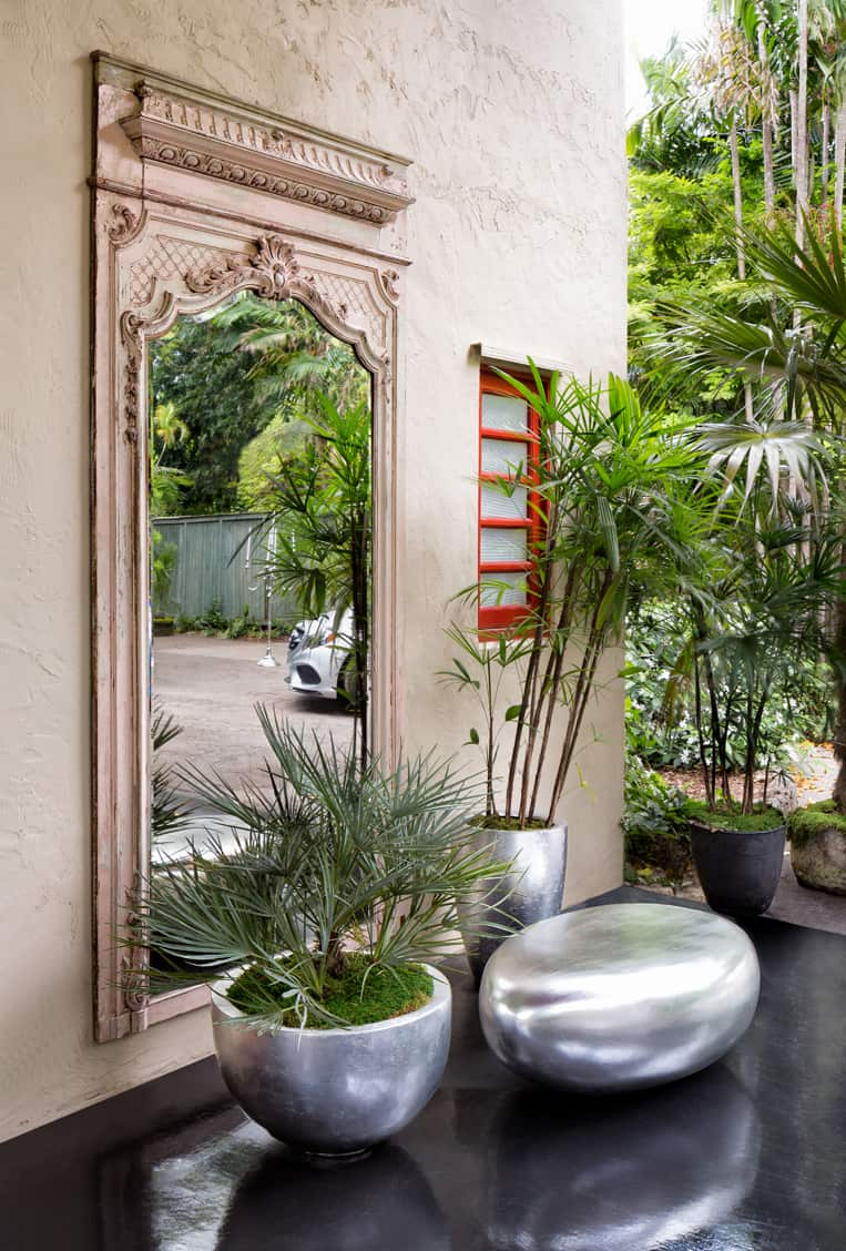 Silver Dream carport garden at The Kampong 2016 Showhouse. Design: JMMDS. Photo: Rolando Diaz.