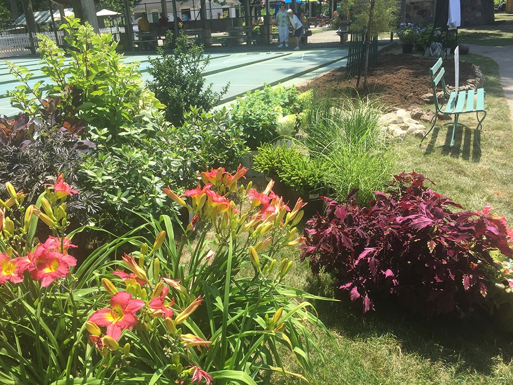 Designing a Garden on the Spot at Lakeside Chautauqua